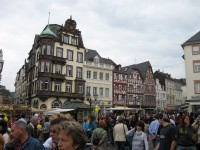 The crowded market place in Trier